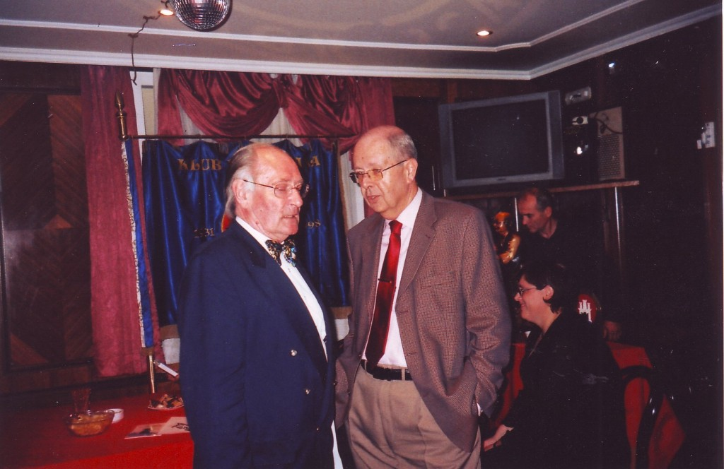 Silvije Degen, predsjednik Kluba i Tomislav Jakić, savjetnik predsjednika RH na predstavljanju.2008